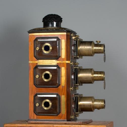 Triunial - lanterna magica tripla per dissolvenze